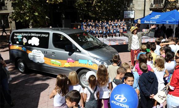 Hyundai Auto Beograd dodelio Hyundai H1 školi Svetozar Miletić