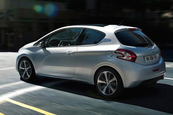 Peugeot 208: Prve fotografije