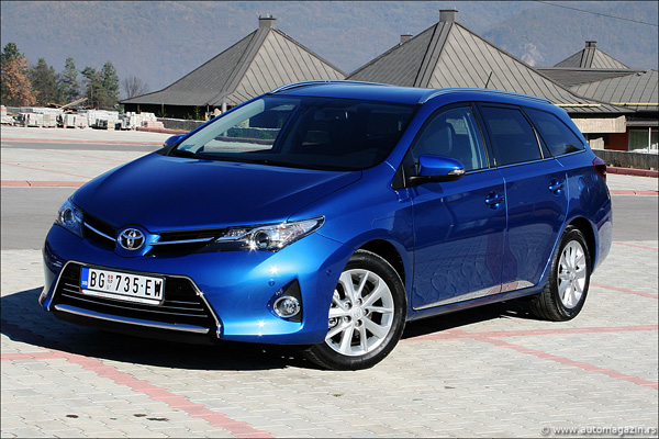 testirali smo toyota auris touring sports 1 6 valvematic. Black Bedroom Furniture Sets. Home Design Ideas