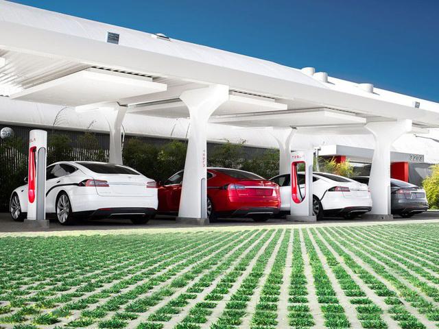Koliko traje punjenje elektromobila? U praksi i do nekoliko dana (analiza)